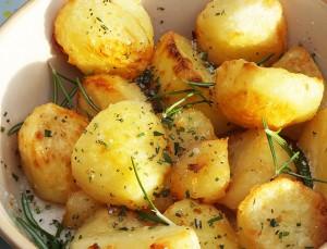cartofi auriti cu rozmarin reteta culinara