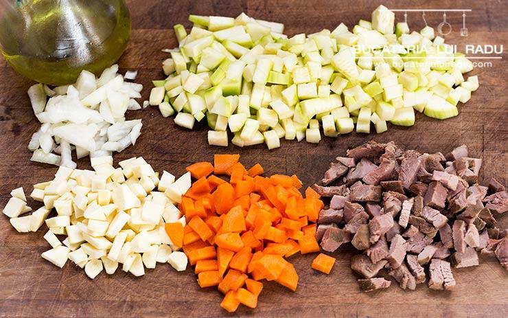 ingrediente ciorba de dovlecei
