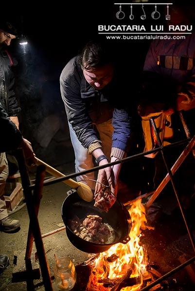 carne fripta la ceaun 1
