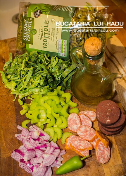 paste cu spanac ingrediente
