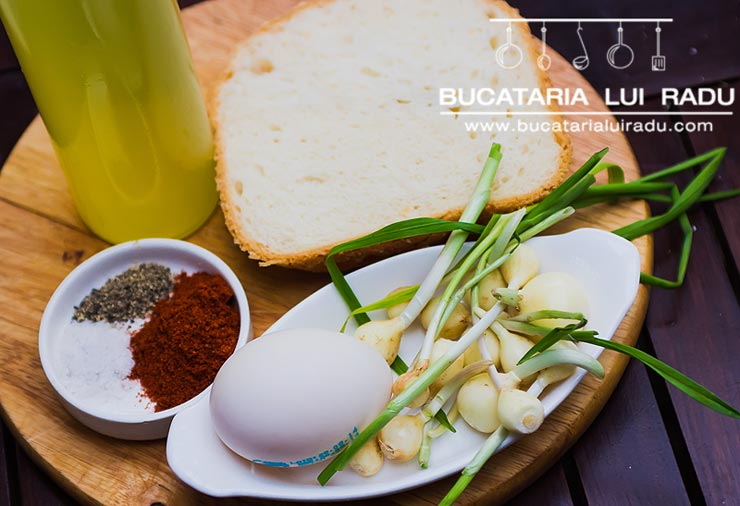 supa spaniola de usturoi ingrediente